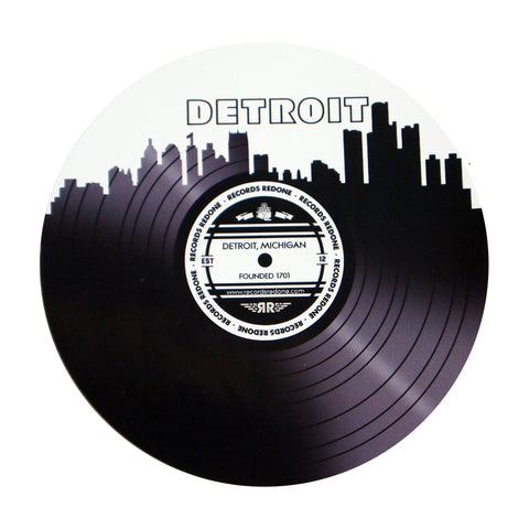 Detroit Skyline T-Shirt with FREE Detroit Skyline Sticker