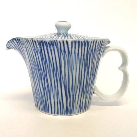 Japanese Imari (Arita) porcelain teapot - blue stripes