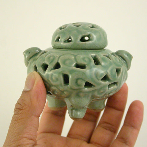 celadon incense burner - Toogahk