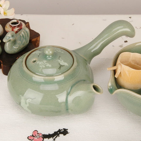 Korean celadon teapot - Cloud & Crane