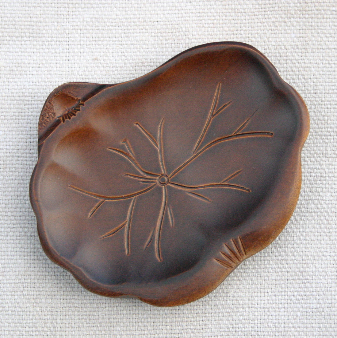 Wooden Saucer 'Lotus leaf'