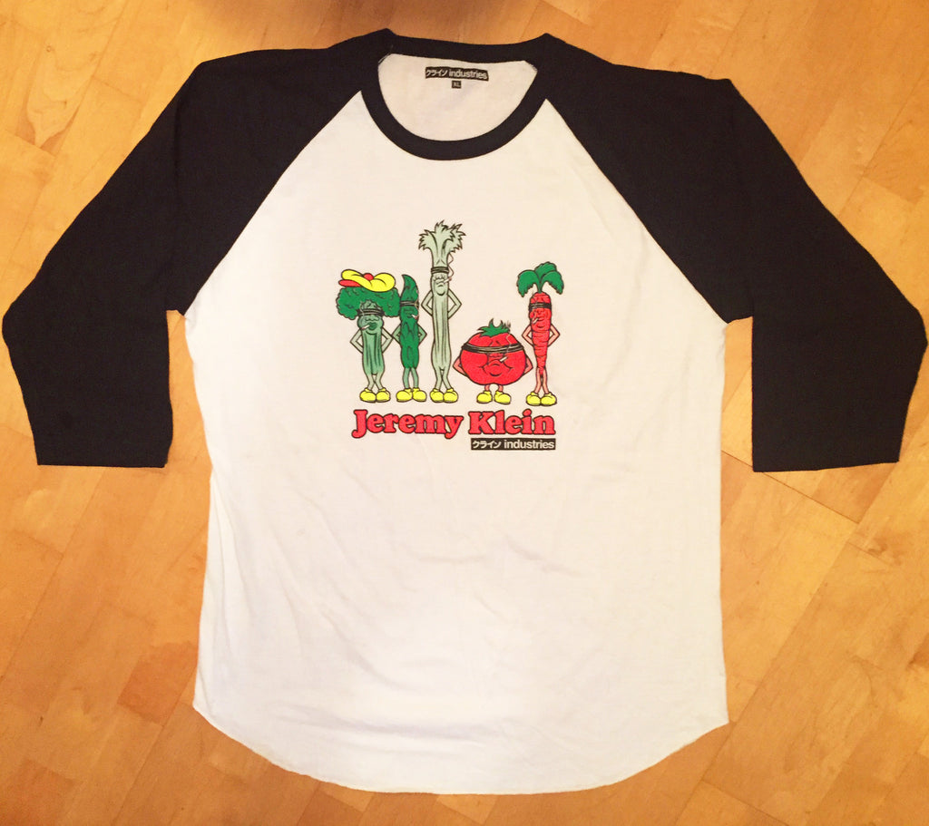 jeremy klein silk screened vegetables raglan t-shirt white/black
