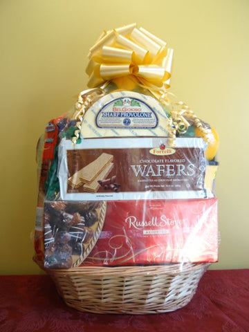 Large Gourmet Italian Pasta and Fruit Basket
