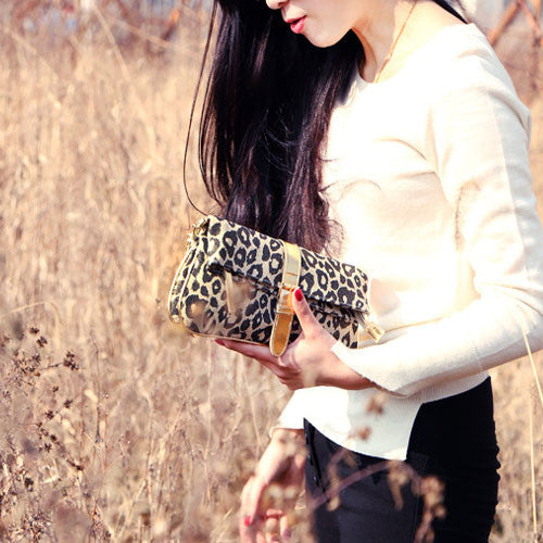0aaf77414fa5 COM - 8 · FOREVER 21 Leopard Print Clutch - DAILYNECKLACE.