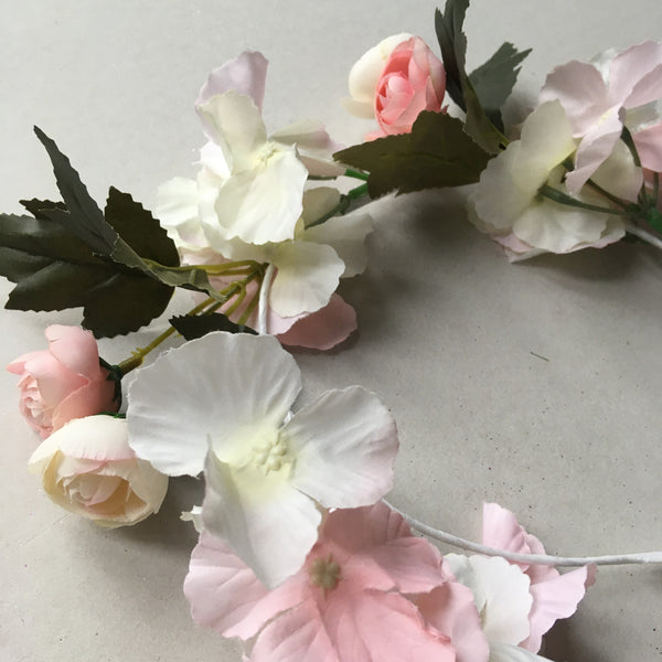 Flower garlands - tea rose/hydrangea