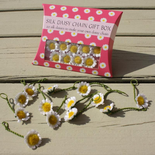 Daisy Pillow Boxes -  20 small daisies- available in white or pastel