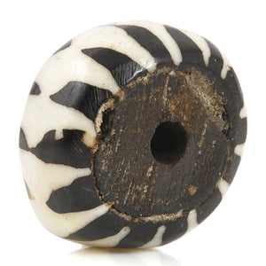 Carved Beads-15x25mm Chevron Batik Focal-East African-Black and White-Quantity 1