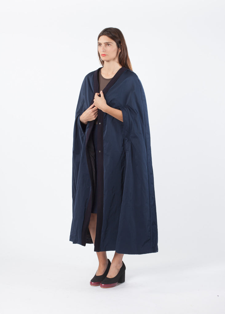 Sleeveless Cape Coat