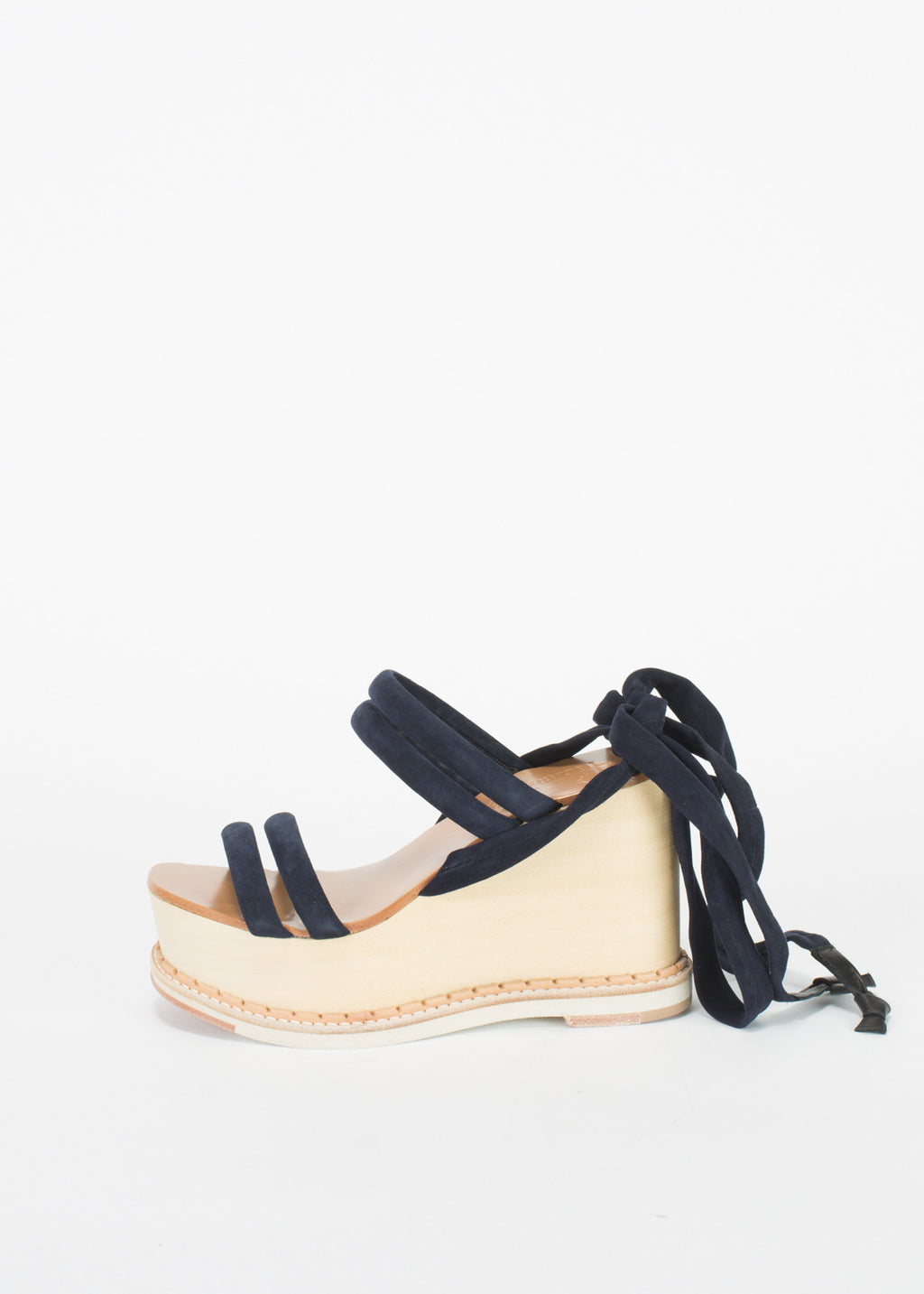 Lily Tie Wedge