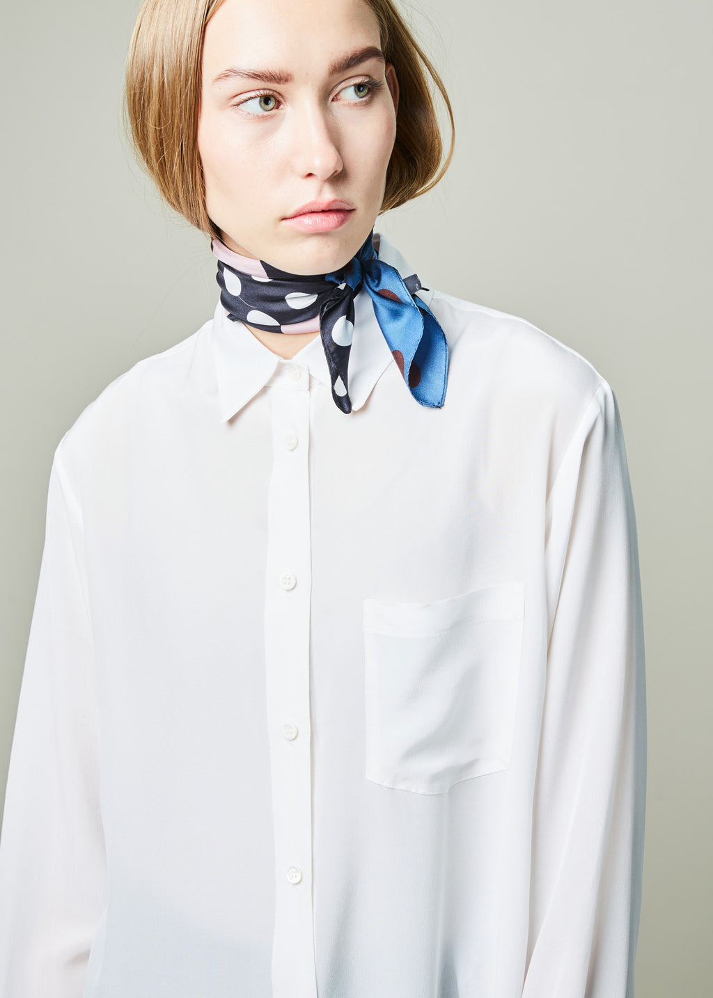 Reverse-Tail Button Up Shirt