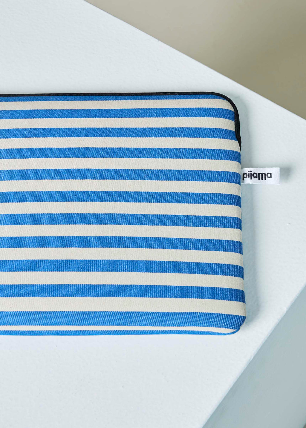 "Pijama 15"" Macbook Zip Case"