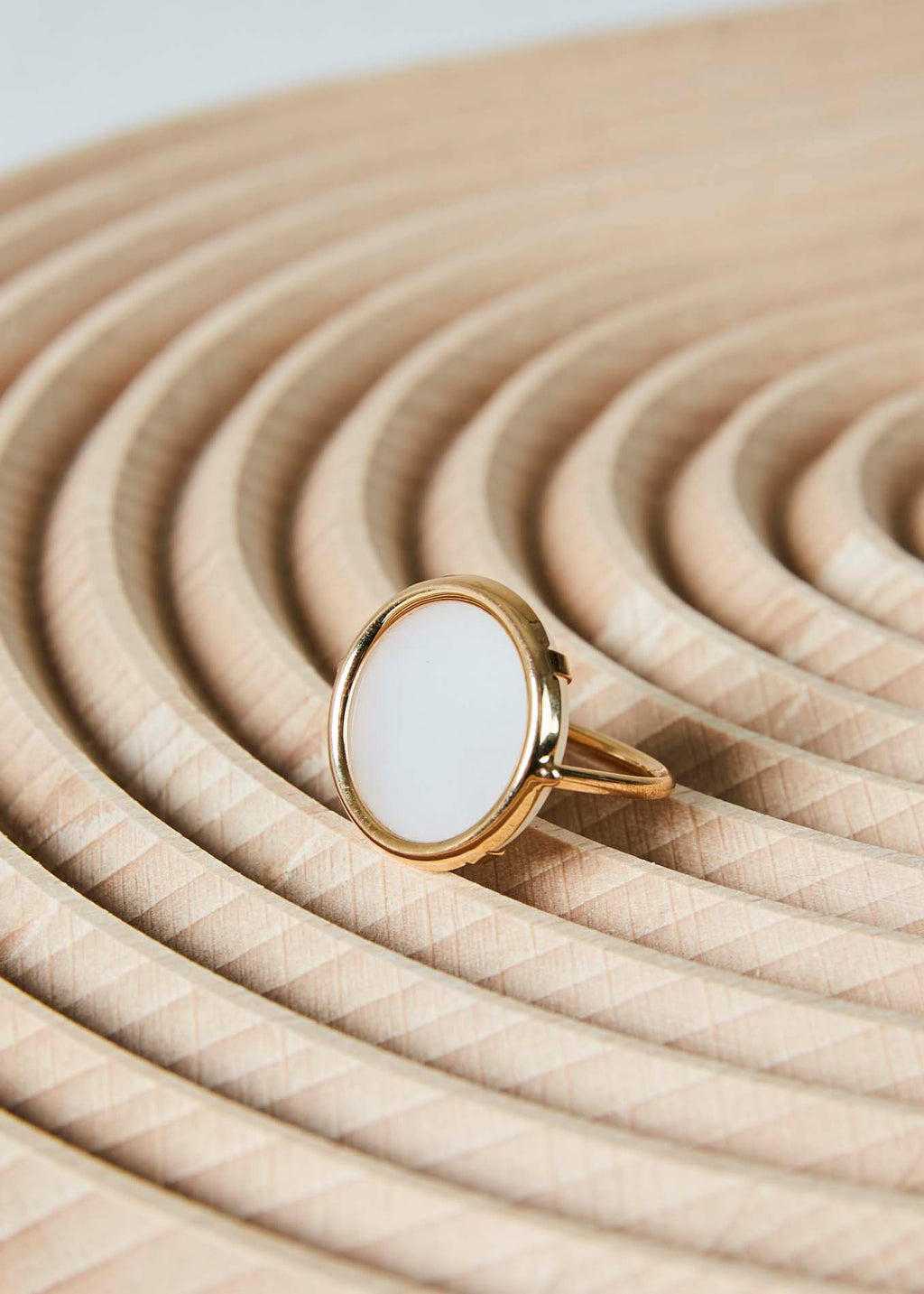 Mother of Pearl Disc Ring