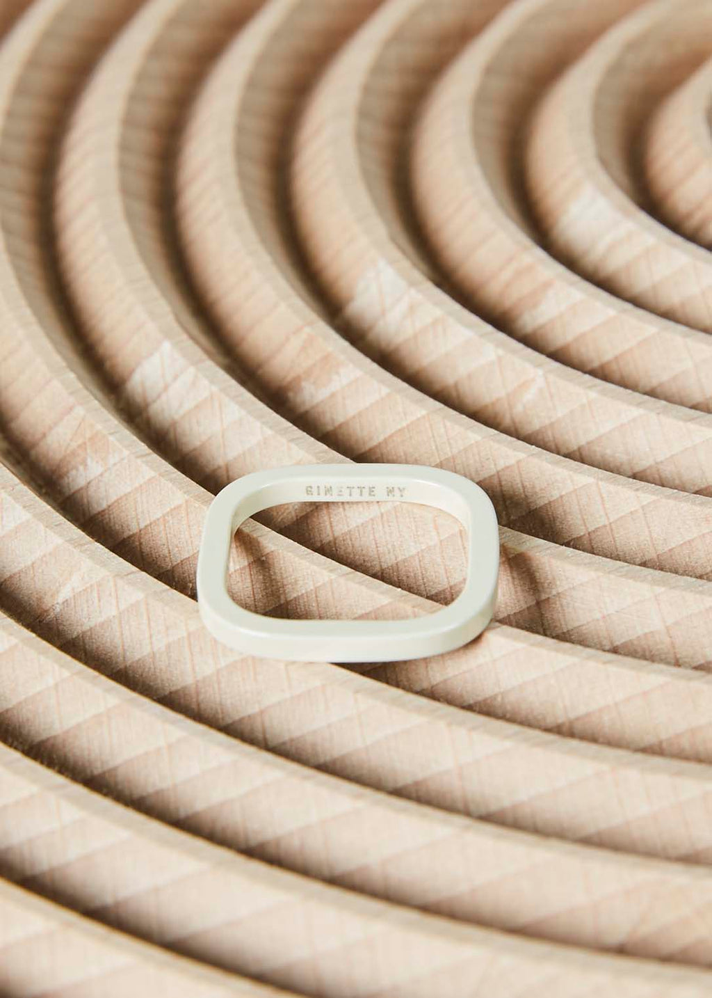 Ivory Ceramic TV Ring