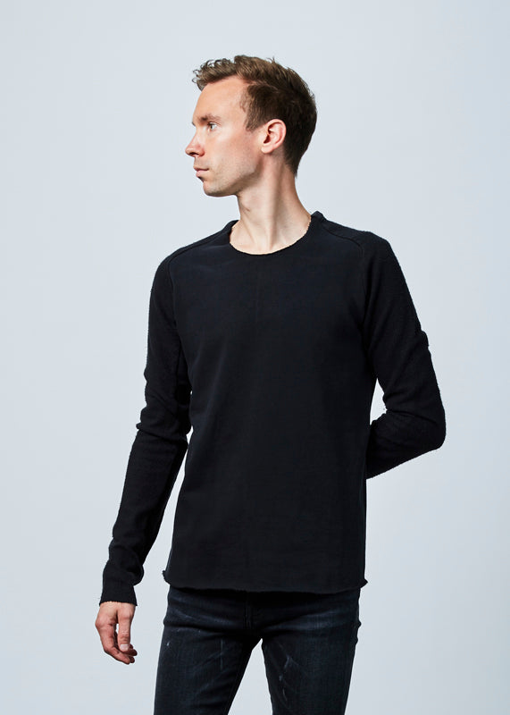 Hannes Roether Men's Fjonn Reverse Sleeve Sweater