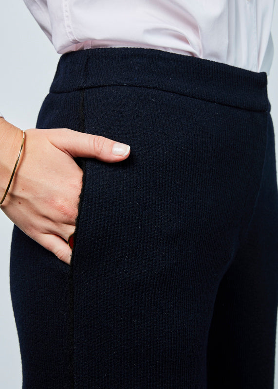 Demoo Ribbed Wool Blend Pant