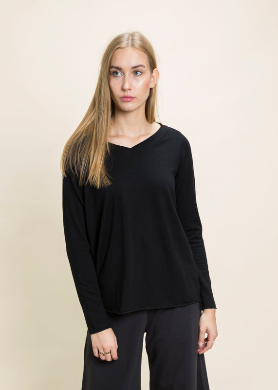 Labo.Art Vetta V-Neck Sweater