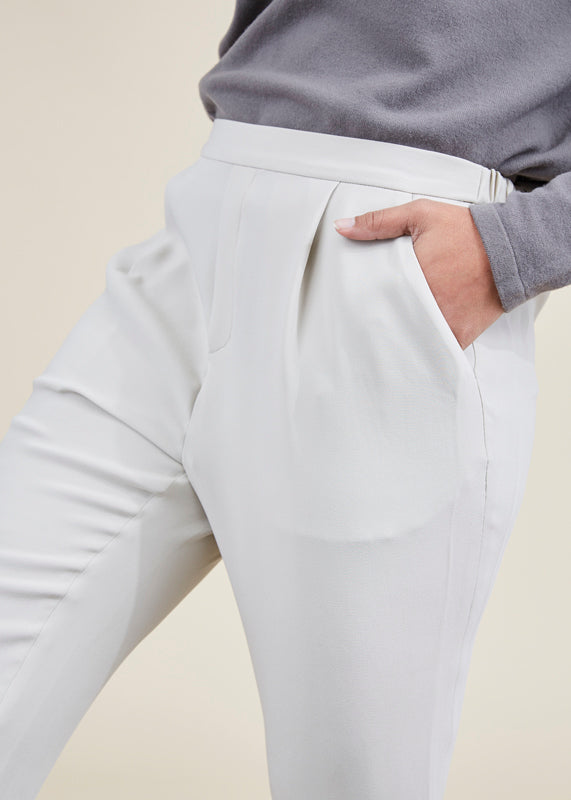 Silk Tuck Easy Pant