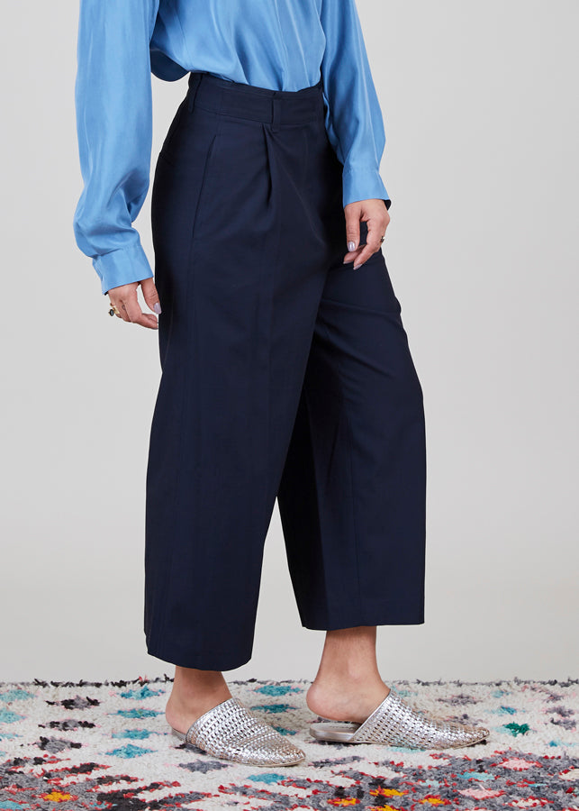 Cropped Pleat Pant