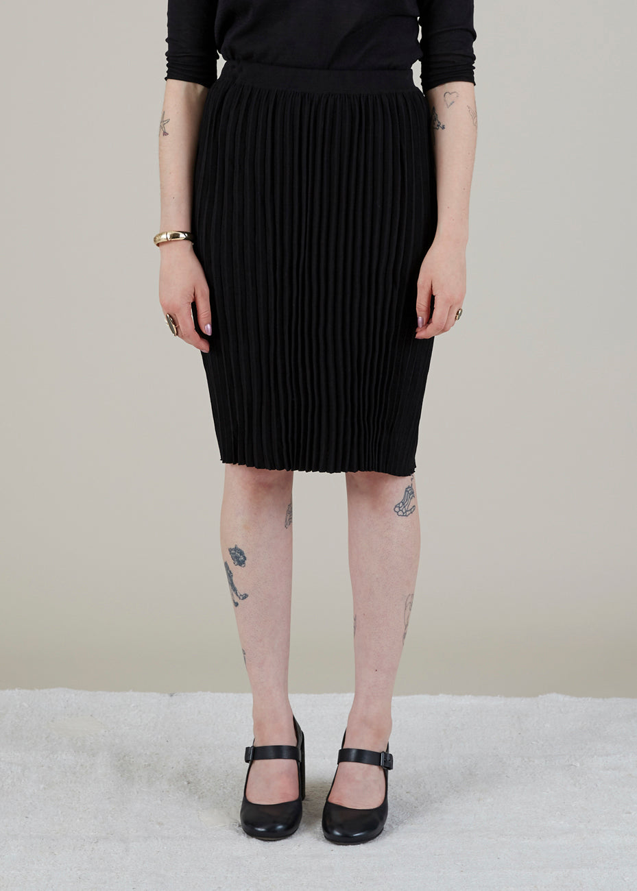 Narrow Pleat Skirt