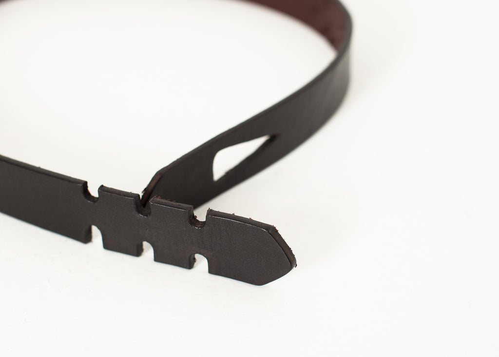 Buckle-less Belt in Black