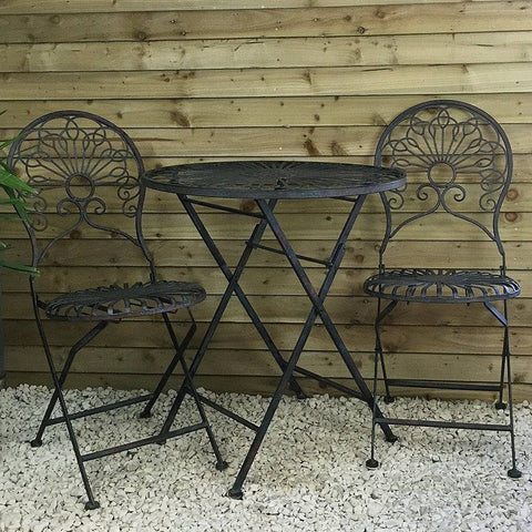 Distressed Hillgrove Metal Bistro Set of Table & Two Chairs at the Farthing