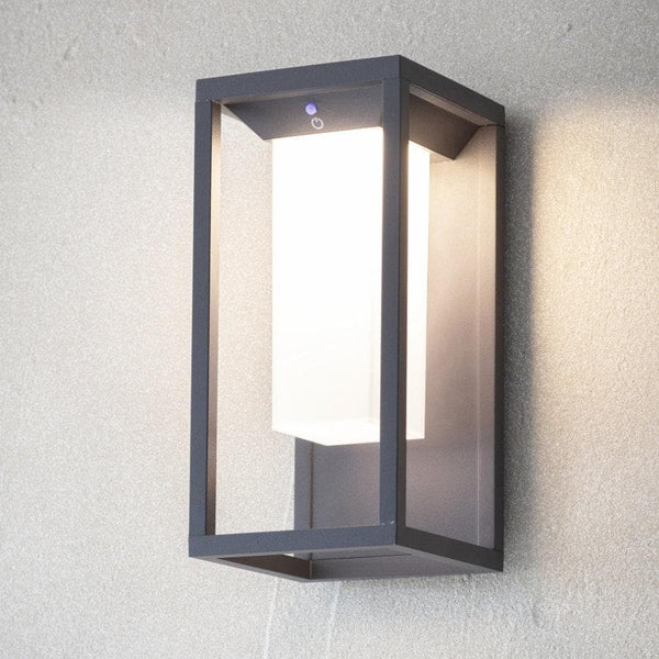 Northwick Solar Wall Light at the Farthing