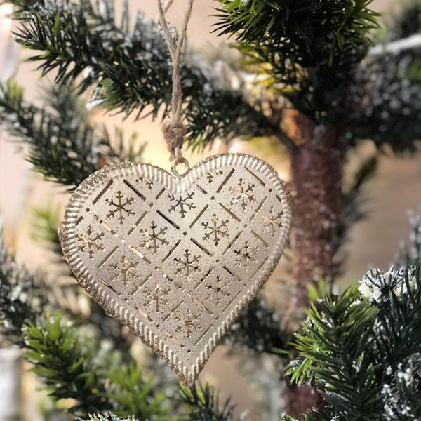 Rustic Hanging Christmas Heart | Farthing
