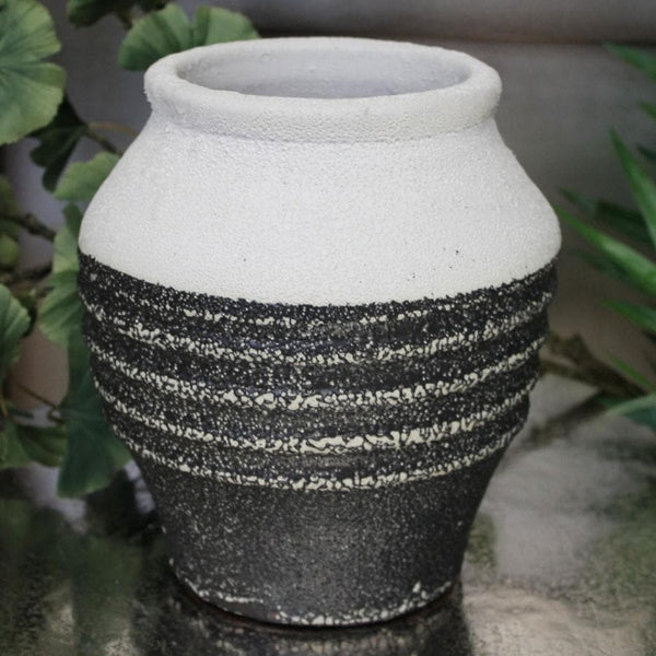 Rustic Black and White Plant Pot at the Farthing 1