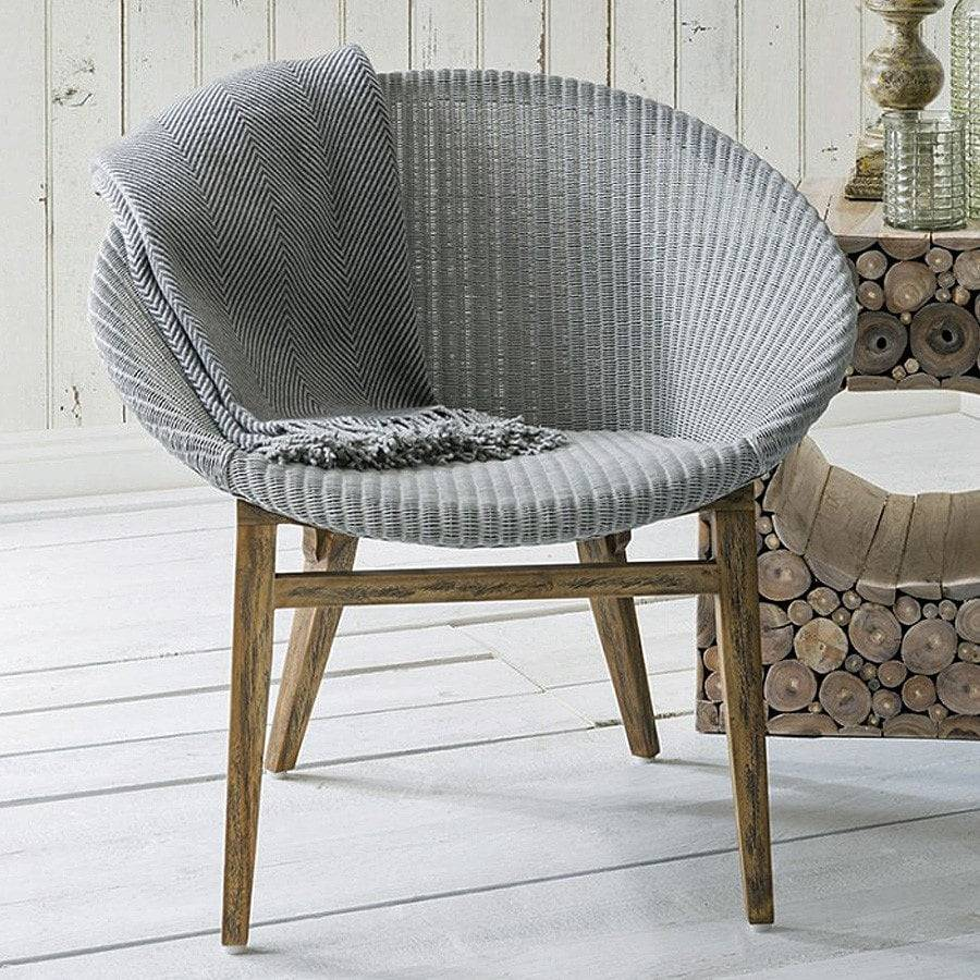 Why Adding A Rug Under Dining Table Sets Is A Must: Lloyd Loom Grey Chair