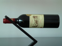 Oblique – Wine Bottle Holder