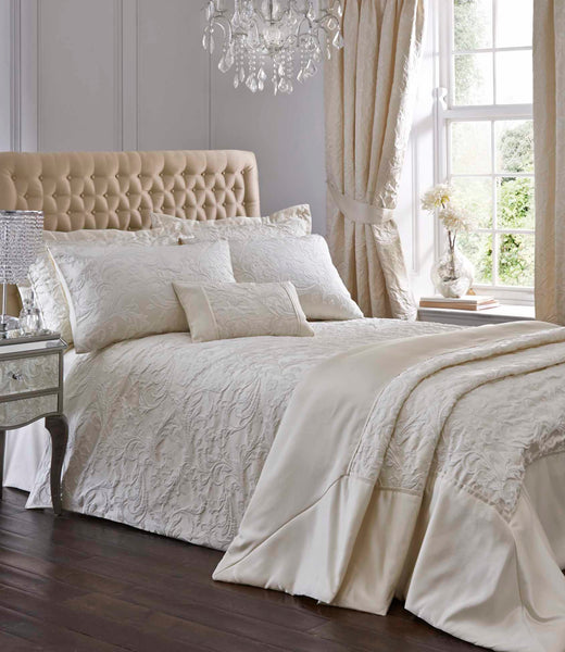 Spencer Quilted Throw Set Ivory