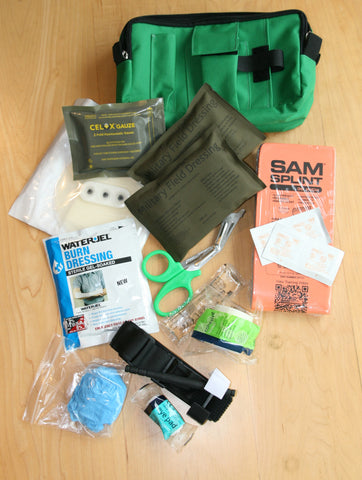 Medical emergency trauma treatment kit