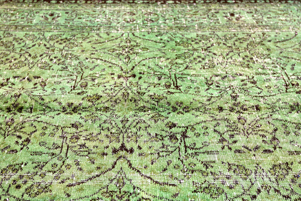 THE KNOTS Roosevelt Island #11 - handmade rug in green