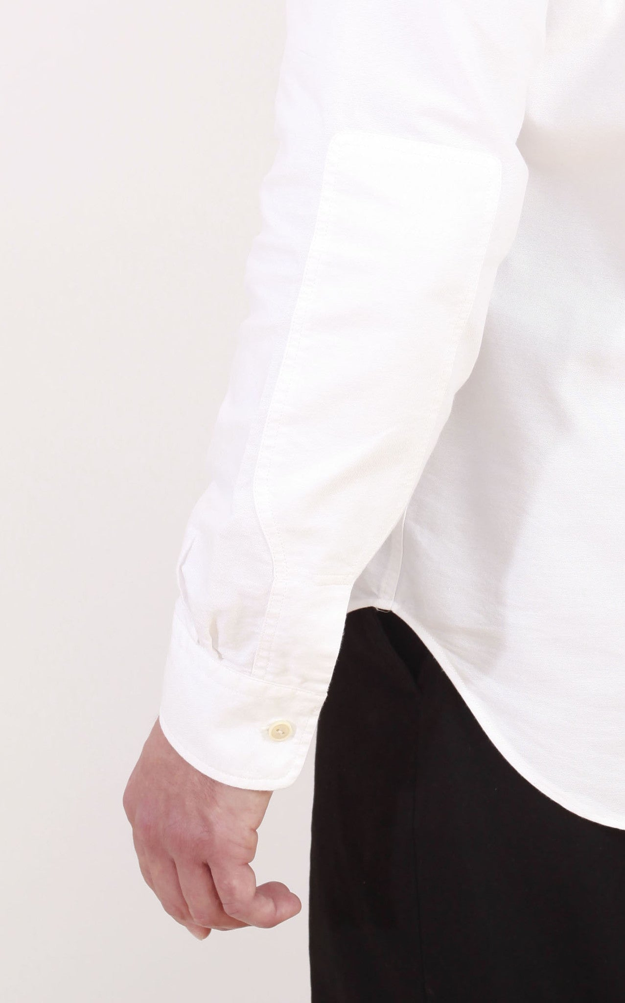 The button-down shirt - White