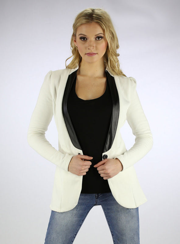 Fleece Blazer in Ivory Front