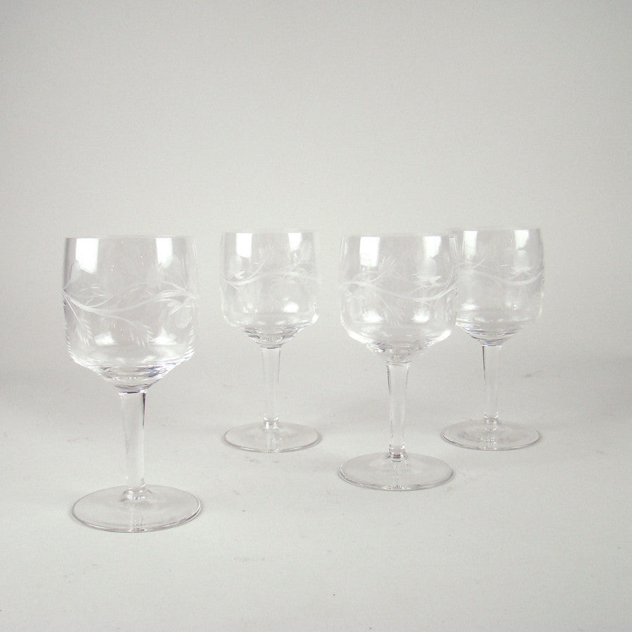 Etched Berry Wine Glass Set of 4