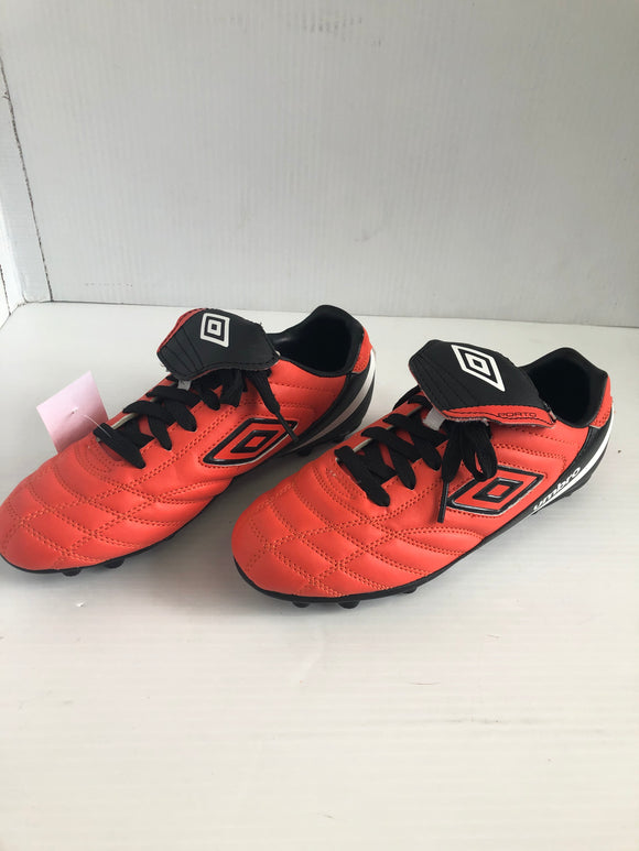 Umbro Porto Outdoor Soccer Cleats, Orange/Black, 5, Previously-Owned (SKU: 49V5RG)