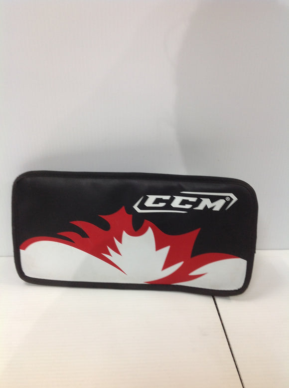 CCM Goalie Blocker (U1D3SW) - Used