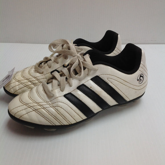 Adidas Youth Soccer Cleats   (XJTUQE) -Used
