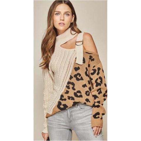 Tribal Cowhide Wristlet Bag