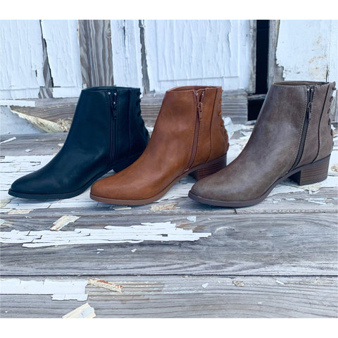 Fall Duck Boots in Black Combo