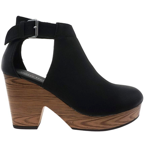 Volatile Welch Suede Wedge in Berry