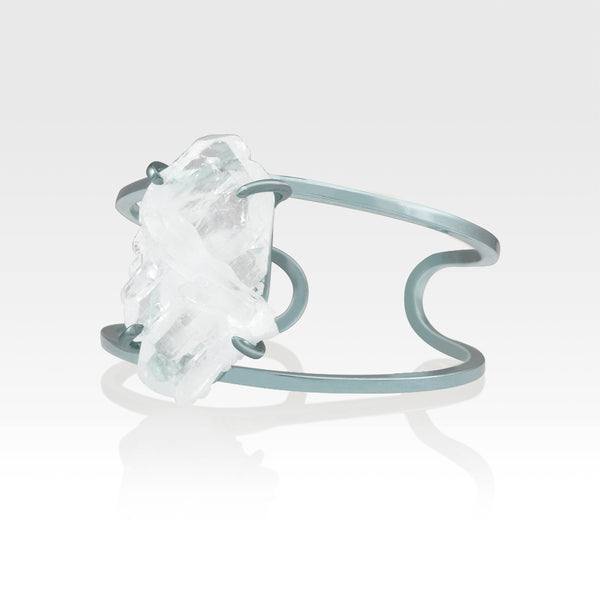 Faden Quartz Cuff Medium Silver Side View