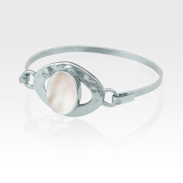 Hammered Bangle Mother of Pearl Shell Silver