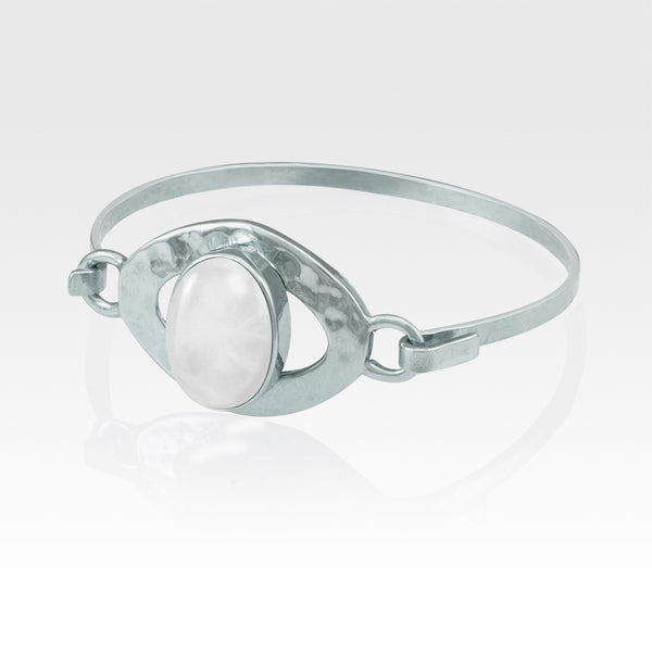 Hammered Bangle Quartz Clear Silver