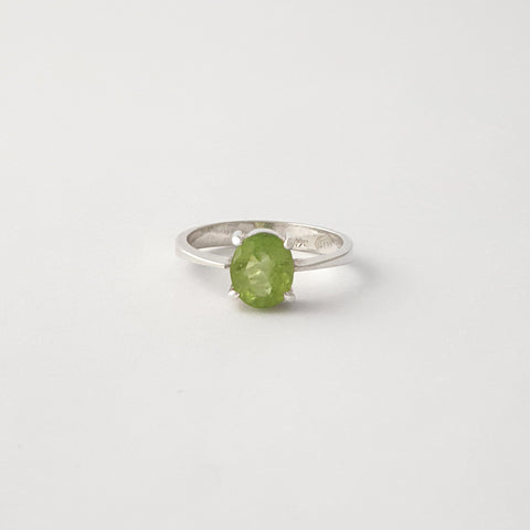 Multi-Facet Oval Peridot Silver Ring Limited Edition 1