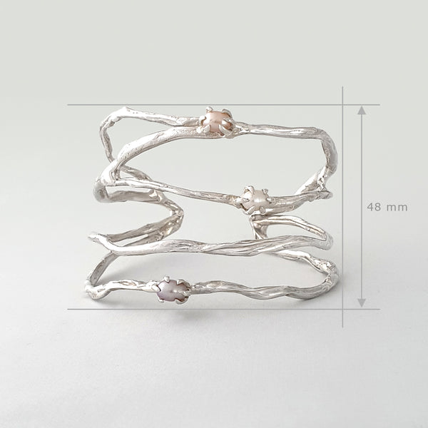 Twiglet Pearl Cuff Silver Measurements