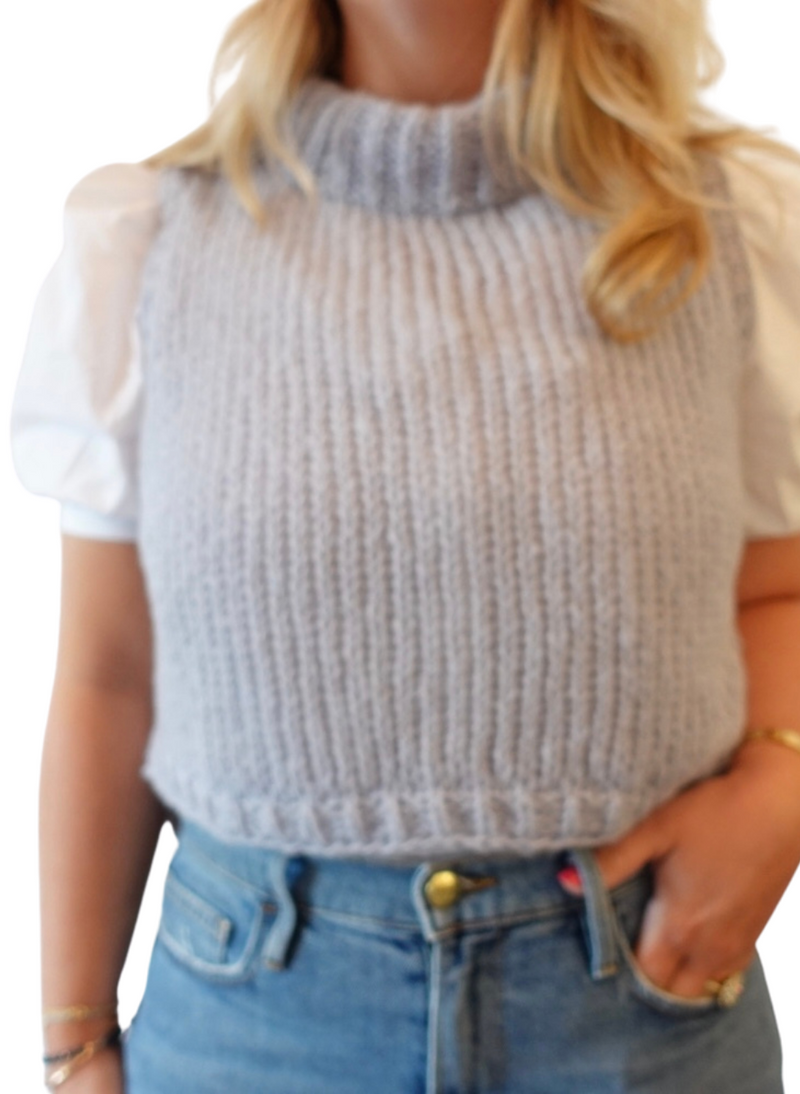 SALE: Cropped Sweater Vest in L/XL (2 Colors)