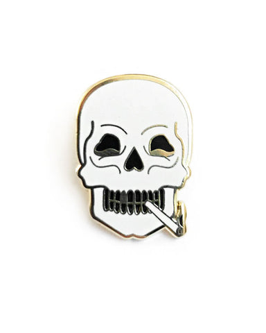 Smoking Skull Pin