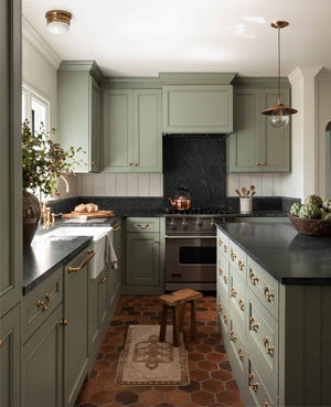 Heidi Caillier Design Kitchen soapstone